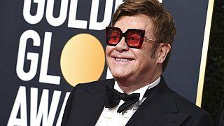 Elton John a vasárnap esti Golden Globe gálán