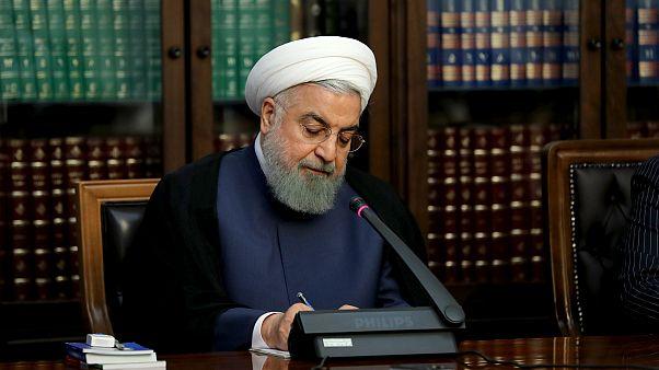روحانی: آمریکا اگر مشکلی در جهان برایش پیش آمد گردن ما نیندازد