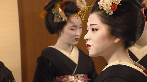 Kyoto geishas pledge to improve their dance and music skills