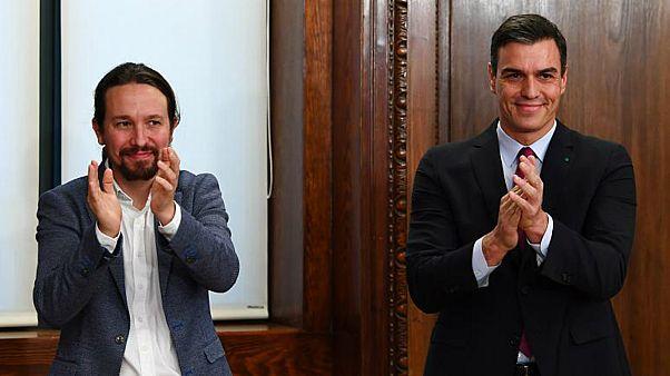 رئيس الحكومة الإسانية الاشتراكي الإسبانيّ، بيدرو سانشيز وزيعم حزب بوديموس اليساري الراديكالي بابلو إيغليسياس