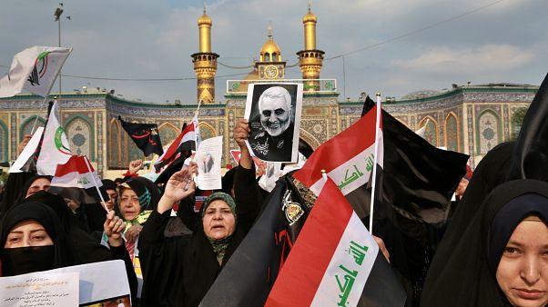 متظاهرون مؤيدون لإيران في العراق