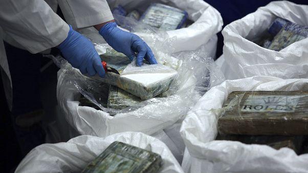 شاهد: الشرطة البرتغالية تصادر كمية من الكوكايين بقيمة 30 مليون يورو