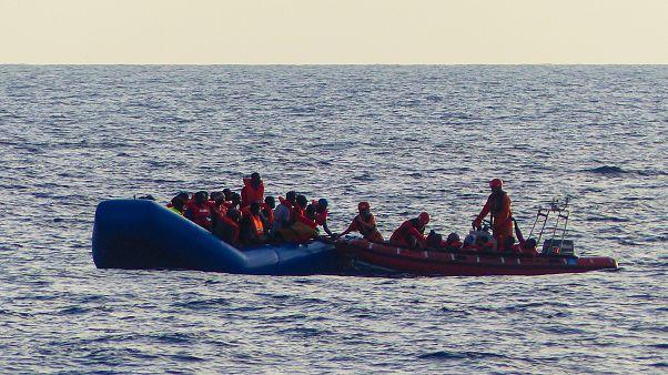 قارب بقل مهاجرين/ صورة توضيحية
