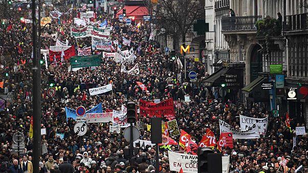 Une partie du cortège à Paris, lors de la quatrième journée de mobilisation contre la réforme des retraites, le 9 janvier 2020