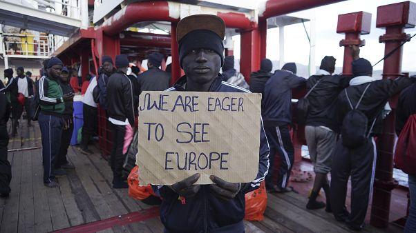 Em 2019 chegaram menos migrantes à Europa