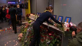 Kiew: Trauer am Flughafen