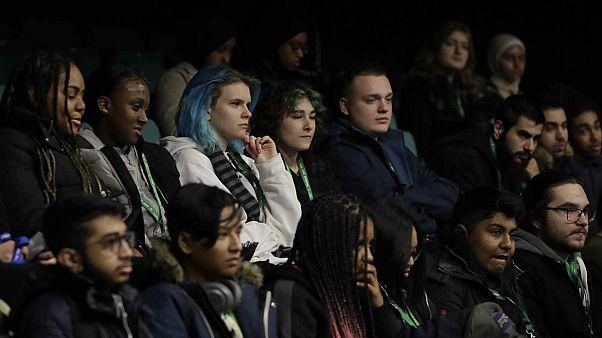 Des étudiants britanniques, lors d'une conférence sur le Brexit organisée au Westminster Kingsway College à Londres, le  19 novembre 2019.