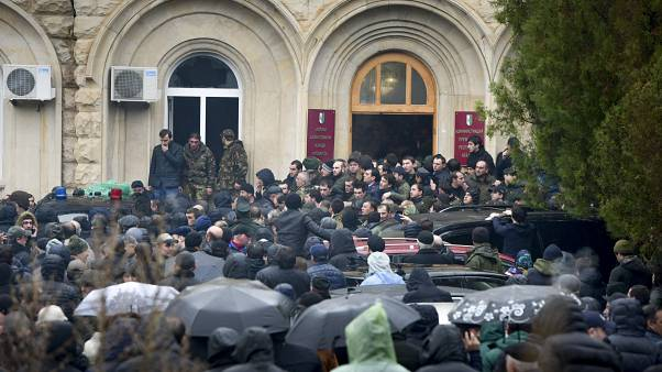 Διαδηλώσεων συνέχεια στην Αμπχαζία - Για «απόπειρα πραξικοπήματος» μιλά ο πρόεδρος