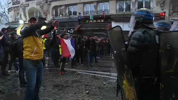 Massenprotest in Paris