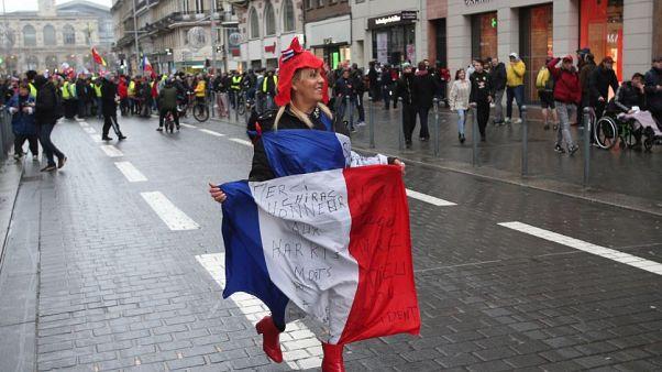 Guerra de desgaste en Francia, inmersa en una huelga interminable
