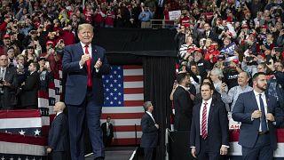 النواب الأمريكيون يحدون من قدرة ترامب على شن حرب ضد إيران