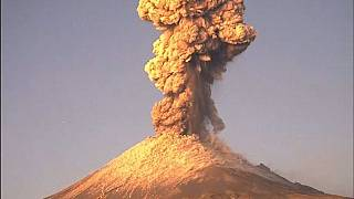 Impresionante explosión del volcán mexicano  Popocatépetl