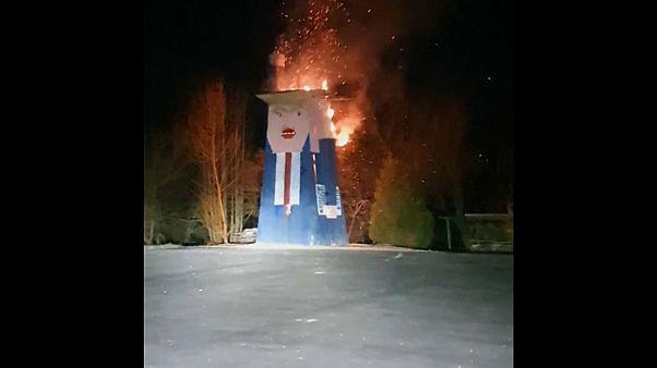 Holz-Trump abgebrannt