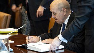 """فرنسا مستعدة لتقديم """"خبرتها"""" في التحقيق بحادث تحطم الطائرة الأوكرانية في إيران"""