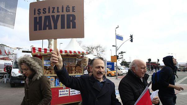 Türkiye'de 4,4 milyon kişi işsiz.