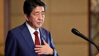 رئيس الوزراء الياباني يبدأ جولة خليجية تهدف للتخفيف من حدة التوتر في منطقة الشرق الأوسط