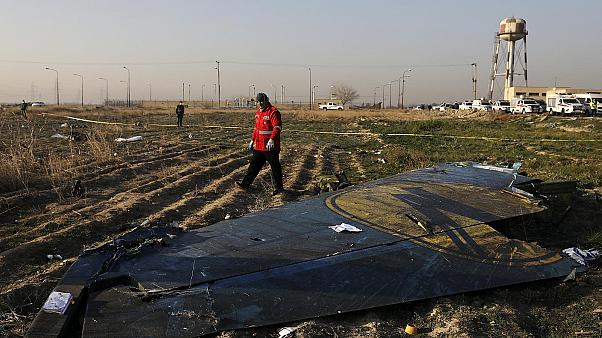 La semaine en images : frappes iraniennes, crash du Boeing ukrainien et manifestations en France