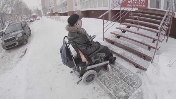 Überwintern mit Handicap: Das Leid russischer Rollstuhlfahrer