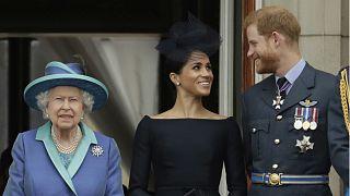 İngiltere Kraliçesi II. Elizabeth ile Prens Harry ve eşi Meghan Markle
