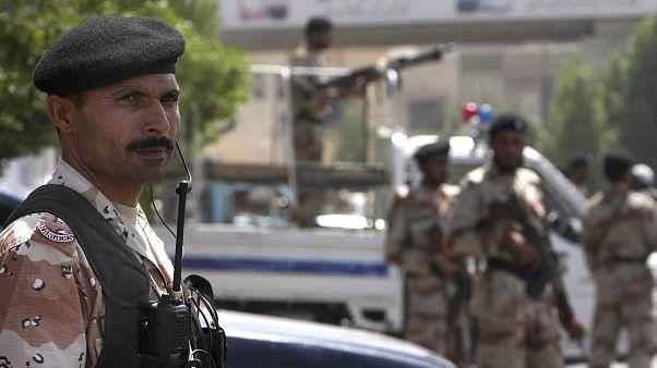 15 قتيلا في تفجير انتحاري داخل مسجد في باكستان والتوقيع.. داعش