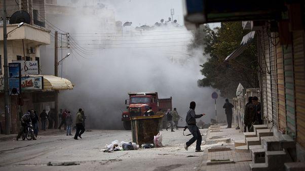 İdlib'de tank atışına maruz kalan bir sokak (arşiv)