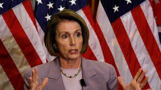 Demokrat lider Pelosi: Trump'a yönelik azil maddelerini Senato'ya yolluyoruz