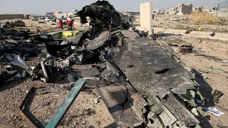 Tahran, düşen Ukrayna Havayollarına ait yolcu uçağının İran'a ait füzeyle vurulduğunu kabul etti
