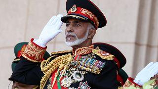 وفاة السلطان قابوس أكثر الحكّام العرب بقاءً في السُلطة
