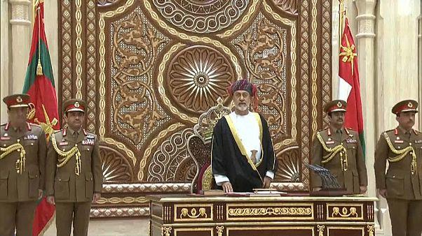 شاهد: أول تصريح لسلطان عمان الجديد خلال مراسم تنصيبه