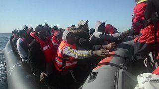 В Средиземном море спасли мигрантов
