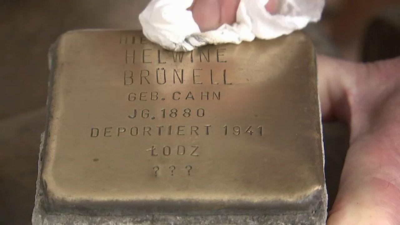 """Gedenken an NS-Opfer: 75.000 """"Stolpersteine"""" für 75.000 Schicksale"""
