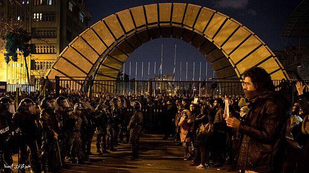 حضور سنگین نیروهای امنیتی در مرکز شهر تهران برای مقابله با تجمعهای اعتراضی