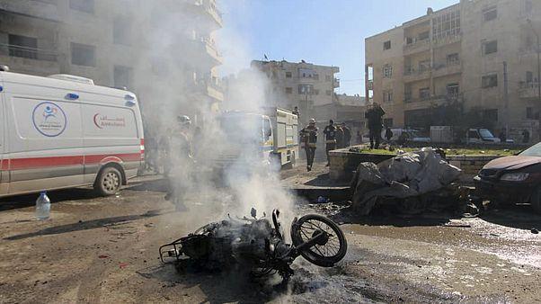 مقتل 18 مدنياً في قصف جوي لقوات النظام السوري في محافظة إدلب