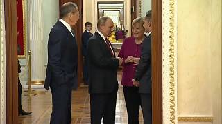 """Putin und Merkel: """"Wir wollen politische Lösung für Libyen"""""""