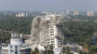 شاهد: السلطات الهندية تدمر مبنيين سكنيين فاخرين لانتهاكهما قوانين البيئة