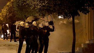 Κουκάκι: 13 συλλήψεις στην επιχείρηση της αστυνομίας στις καταλήψεις