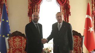 الرئيس التركي رجب طيب أردوغان ورئيس المجلس الأوروبي شارل ميشال في اسطنبول 11 يناير 2020.