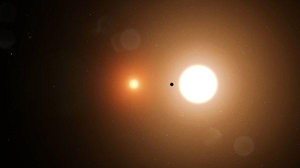 Planet mit zwei Sonnen