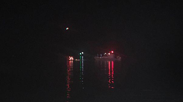 Çeşme açıklarında düzensiz göçmenleri taşıyan teknenin batması sonucu 8'i çocuk 11 kişinin cesedine ulaşıldı