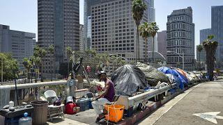 ABD'nin Kaliforniya eyaletinde sokakta kalan on binlerce evsiz bulunuyor