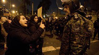 London tiltakozik Teheránnál