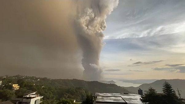 Tömeges kitelepítés a Fülöp-szigeteken