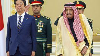 الملك سلمان و آبي يبحثان في الرياض التوتر في الشرق الأوسط وقضايا عالمية