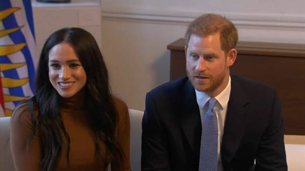 Reunião de emergência da família real britânica