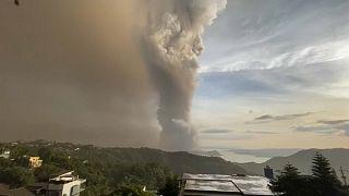 Inminente erupción del volcán Taal en Filipinas