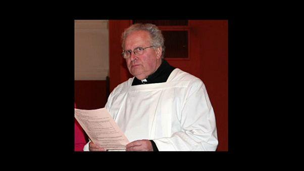 Λυών: Ξεκινά η δίκη του ιερέα που κατηγορείται για σεξουαλικές κακοποιήσεις αγοριών