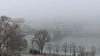 Dicke Luft in Budapest : Stadt unter grauer Schmutzwolke