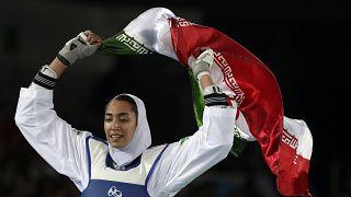 بطلة أولمبية إيرانية تنشق عن نظام طهران وتهرب إلى هولندا