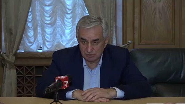 Lemondott az abház elnök