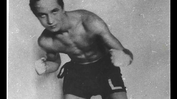La storia del pugile polacco che salì sul ring ad Auschwitz